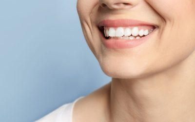 لبخند زیبا با جراحی ایمپلنت دندان جلو